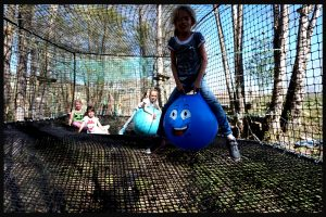 base de loisirs trampoline géant